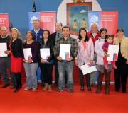 Entregan escrituras de viviendas a 100 familias de Hualaihué