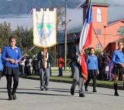 Alumnos desfilan en honor a las Glorias Navales en Hornopirén
