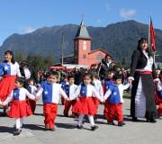 Hualaihué celebra las Fiestas Patrias con desfile escolar