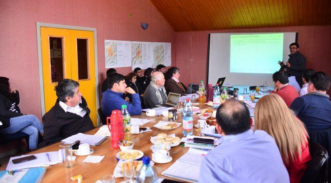 Concejo Municipal y SAESA reunidos por frecuentes cortes de luz.