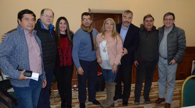 Pescadores de Hualaihué participaron en comisión de pesca de Diputados en Puerto Montt